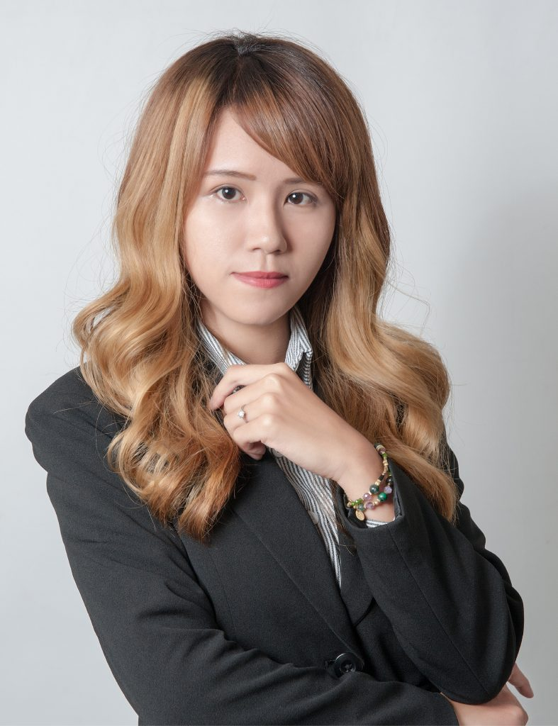 江 盈瑩 19
